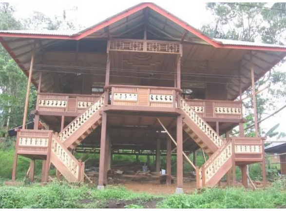 Rumah-Adat-Sulawesi-Utara-Jenis-Struktur-Ruang-Keunikan
